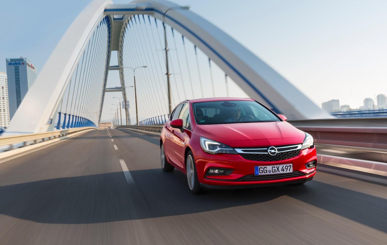 cq5dam.web.1280.1280%252819%2529 Ασφάλεια και πολυτέλεια 5 Αστέρων για το νέο Opel Astra Hatcback, Opel, Opel Astra