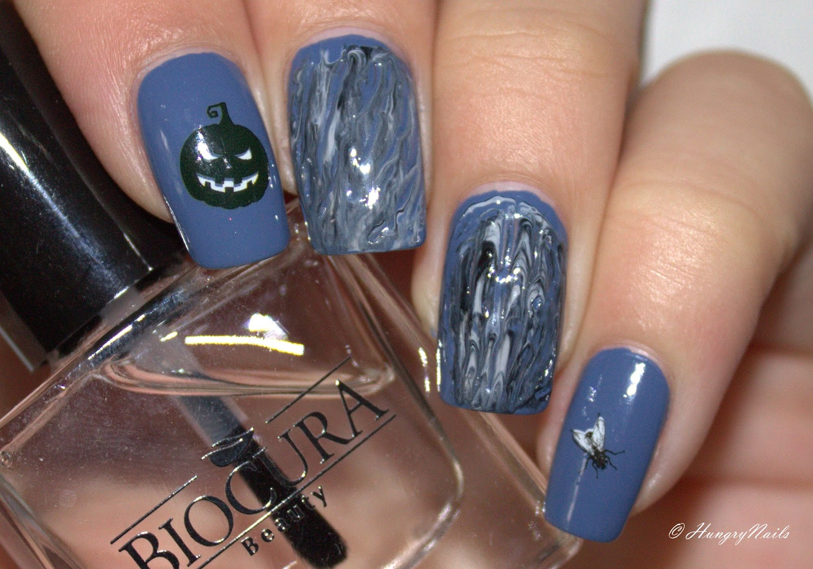 http://hungrynails.blogspot.de/2014/10/blue-friday-resurrection.html