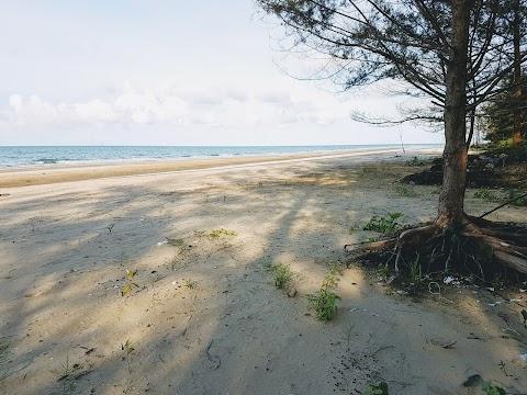 【古晋景点】三马丹镇海边 Kampung Sematan Beaches| 让人流连忘返之砂劳越最西部小镇的洁白沙滩