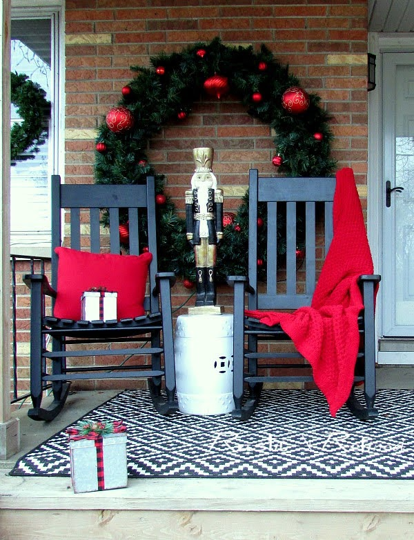 Christmas Porch - Decorating Outside for Christmas on a Budget