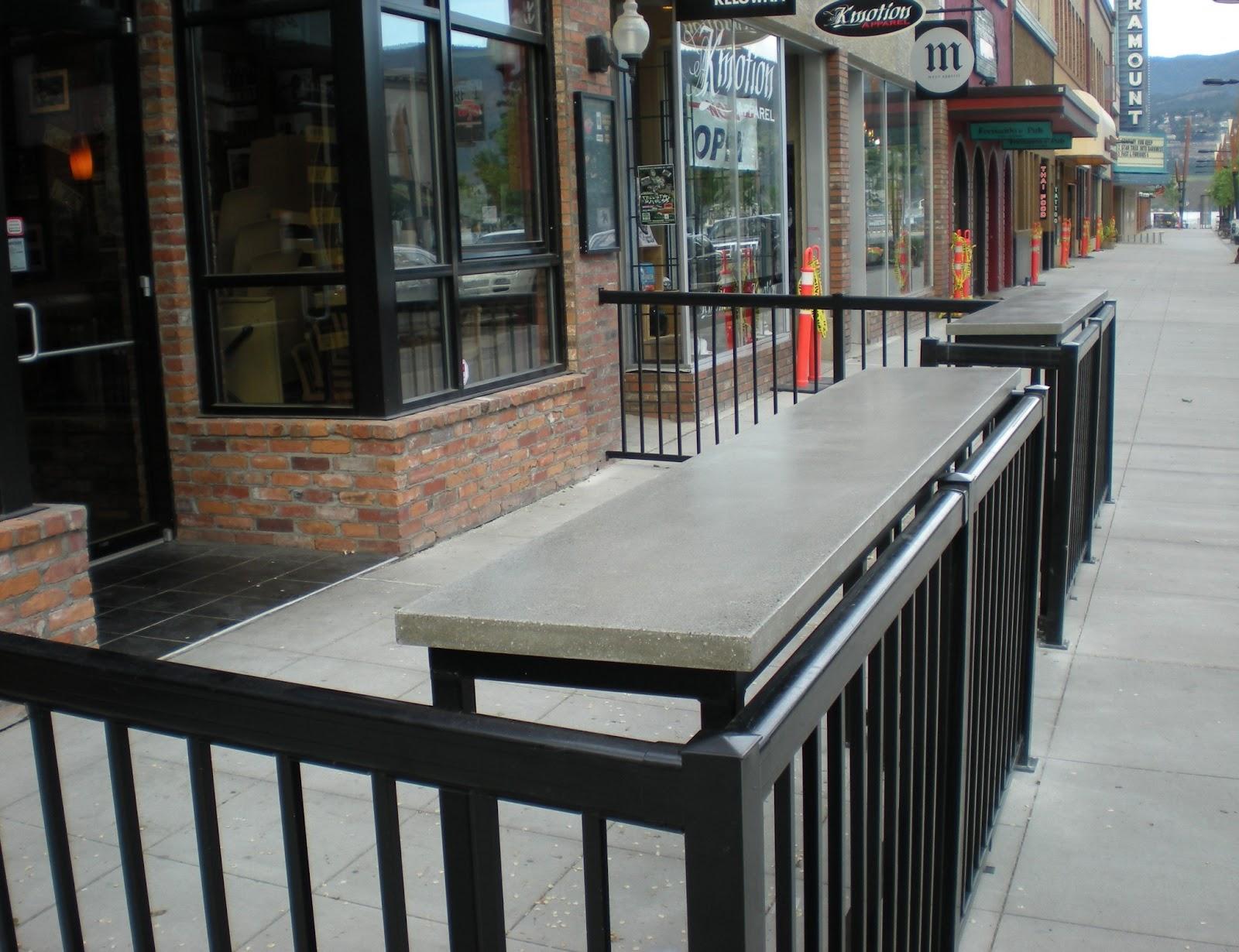 MODE CONCRETE: Beachfront Patio with Outdoor Concrete Bar ...