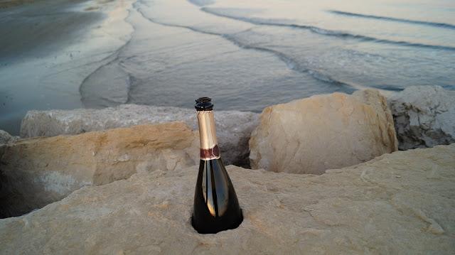 szampan na plaży