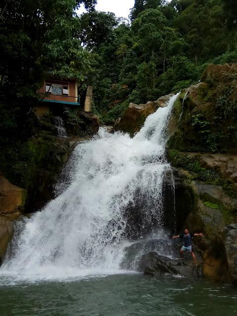 Air terjun Suhom Lhoong,