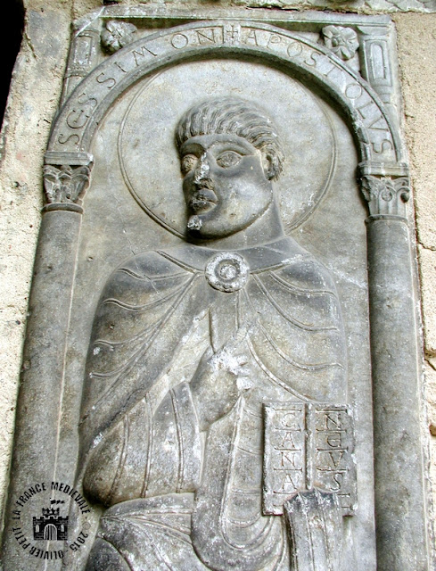 MOISSAC (82) - Cloître roman : les Apôtres !