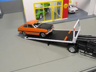 Tomica Limited Vintage NEO LV-N144a Nissan Atlas Hanamidai  Safety Loader