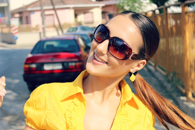 how to wear yellow color for spring and summer