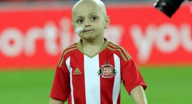 AGEN BOLA - Dunia sepak bola berkabung atas meninggalnya fan cilik Sunderland