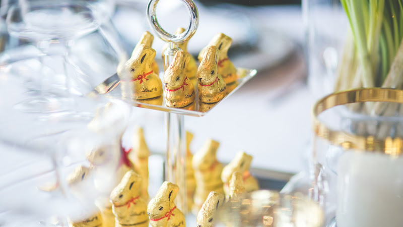 Golden Easter Bunny HD