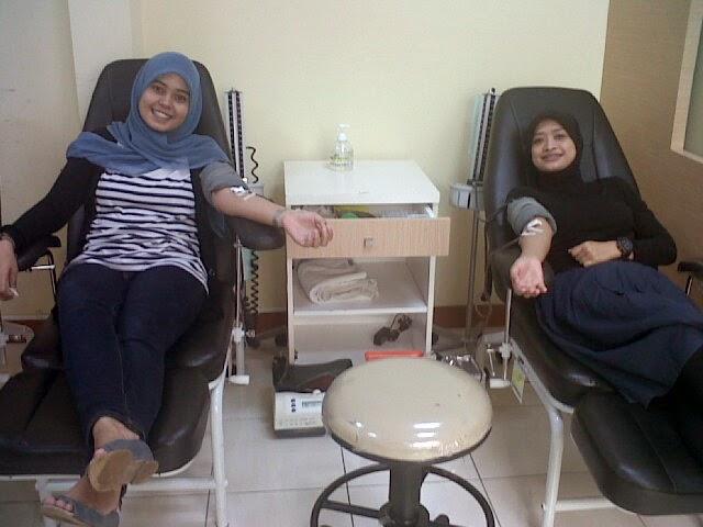 manfaat mendonorkan darah, manfaat donor darah, donor darah bikin gemuk, donor darah dalam islam, donor darah sukarela, donor darah saat puasa, donor darah senayan city, manfaat donor darah bagi kesehatan, kegiatan donor darah, menghisap darah, donor darah cantik, endolita.com
