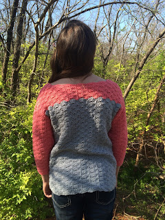 crochet sweater pattern, shell stitch, color blocking, by April Garwood of Banana Moon Studio