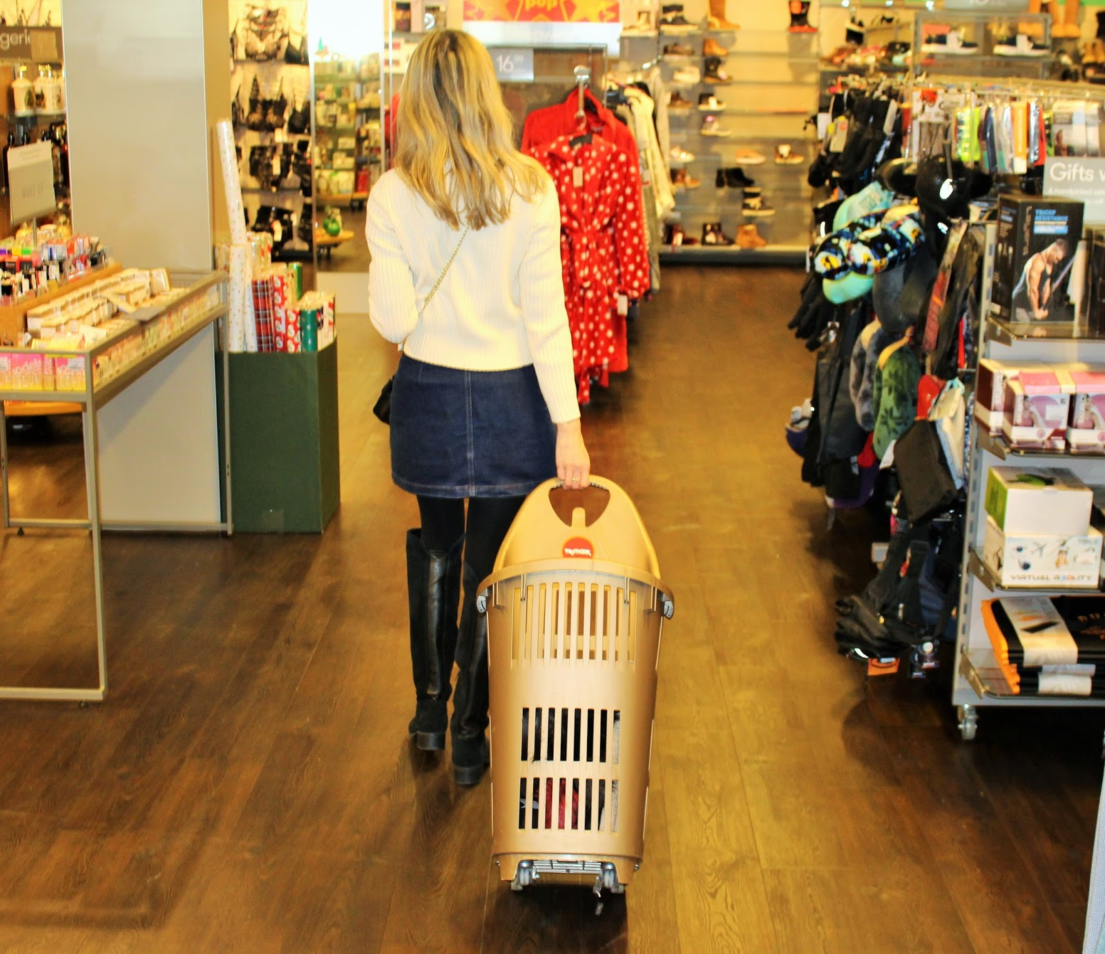How To Blitz Your Last Minute Christmas Shopping At TK Maxx - In 20 Minutes - 5