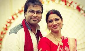 Gayatri Asokan Family Husband Son Daughter Father Mother Age Height Biography Profile Wedding Photos
