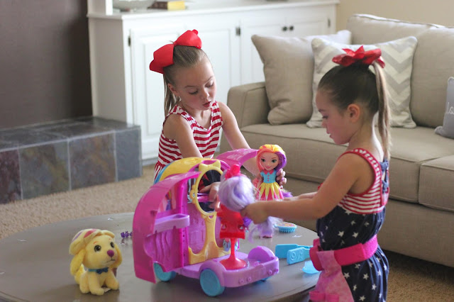 Mattel- Sunny Day Toys-Summer Activities & Toys