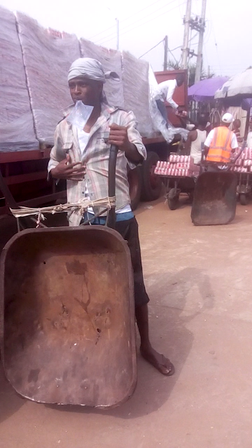 Former wheelbarrow pusher gets N15million record deal