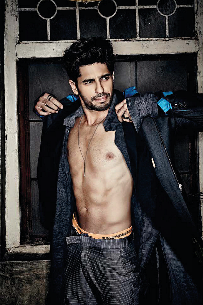 Shirtless Bollywood Men Siddharth Malhotras Sexy Emporio -9489