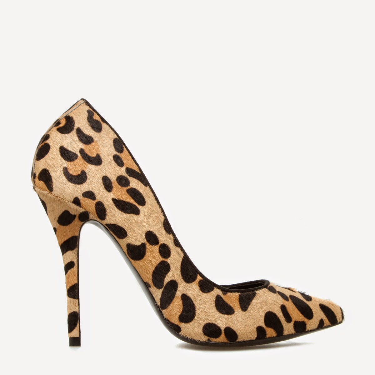 wardrobe essentials, basics,leopard print pumps