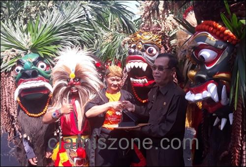 "Bupati, ""Galuh Ethnic Carnival Harus Masuk Agenda Tahunan"""