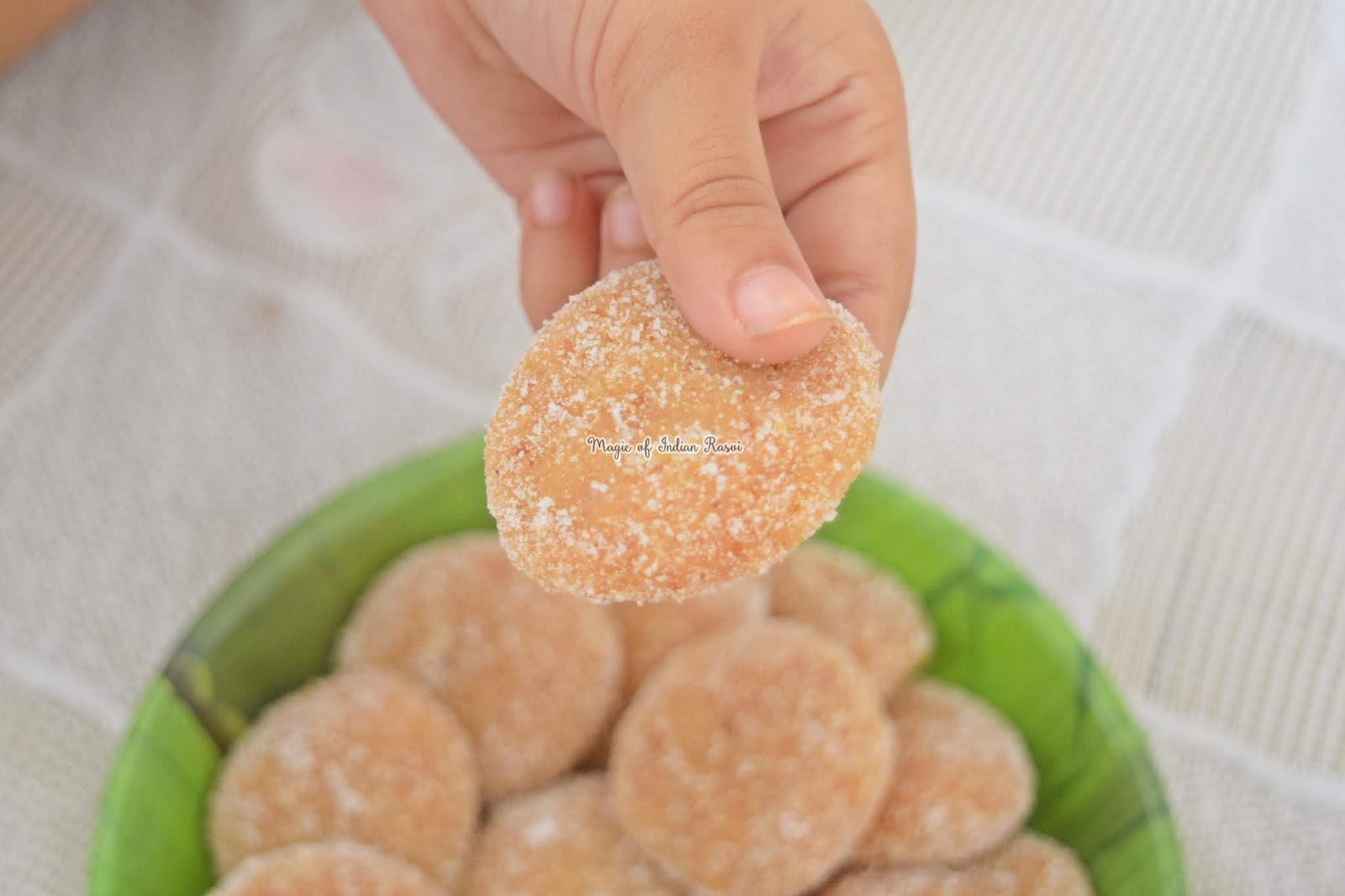 Mathura Peda Recipe - Mathura ke Pede - 3