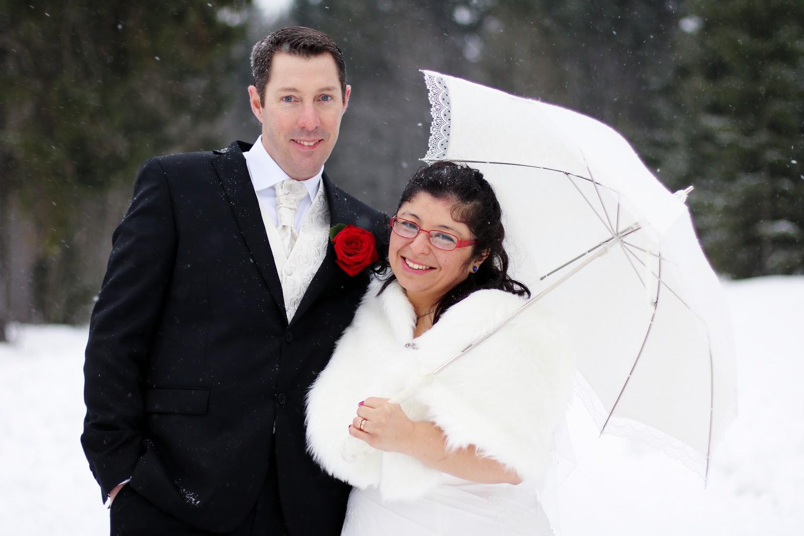 Fotograf Härnösand bröllopsfotograf Maria-Thérèse Sommar höga kusten sundsvall sollefteå umeå kramfors vinterbröllop winter wedding snow snö natur