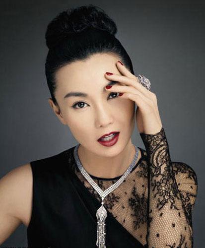 Celebrity Photo Bazer: Maggie Cheung