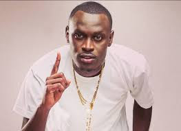 King Kaka Ft Suziah – Slow Me