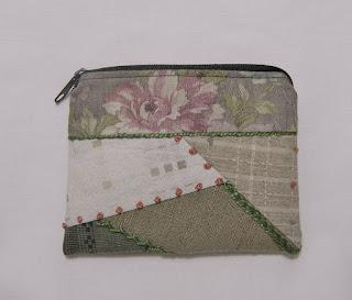 http://de.dawanda.com/product/98648371-japan-taeschchen-patchwork-boerse-unikat
