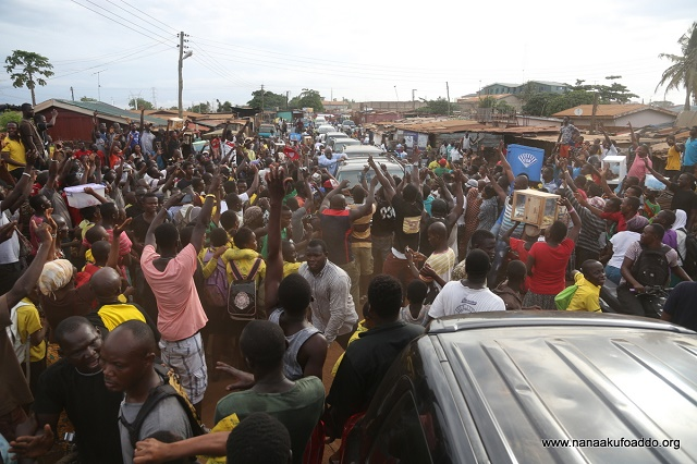 Akufo-Addo brings Ashaiman City to a standstill