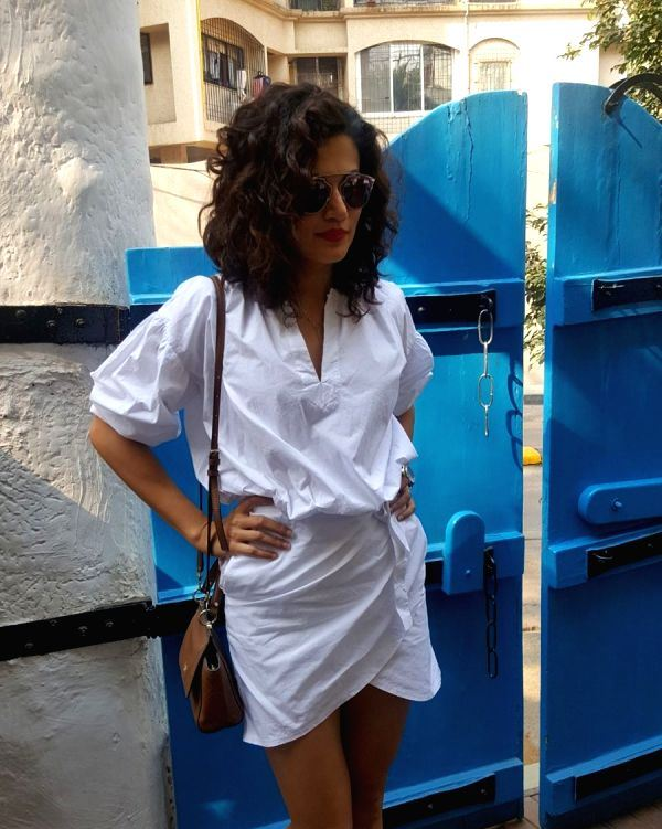 Hindi Actress Taapsee Pannu Hot Photos In White Top