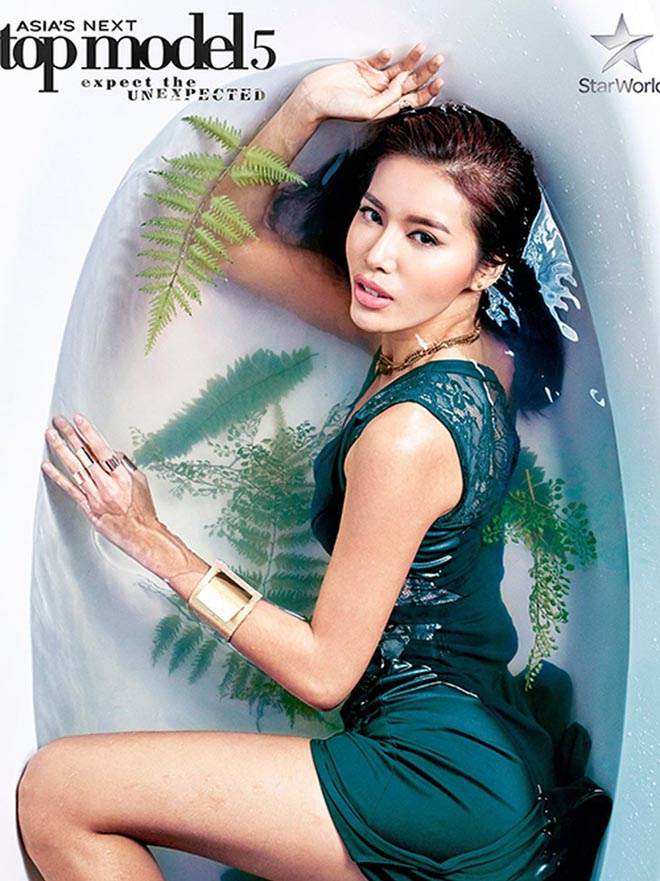 Cách tạo dáng tinh tế trong bồn tắm của các người đẹp Việt - Ảnh 6