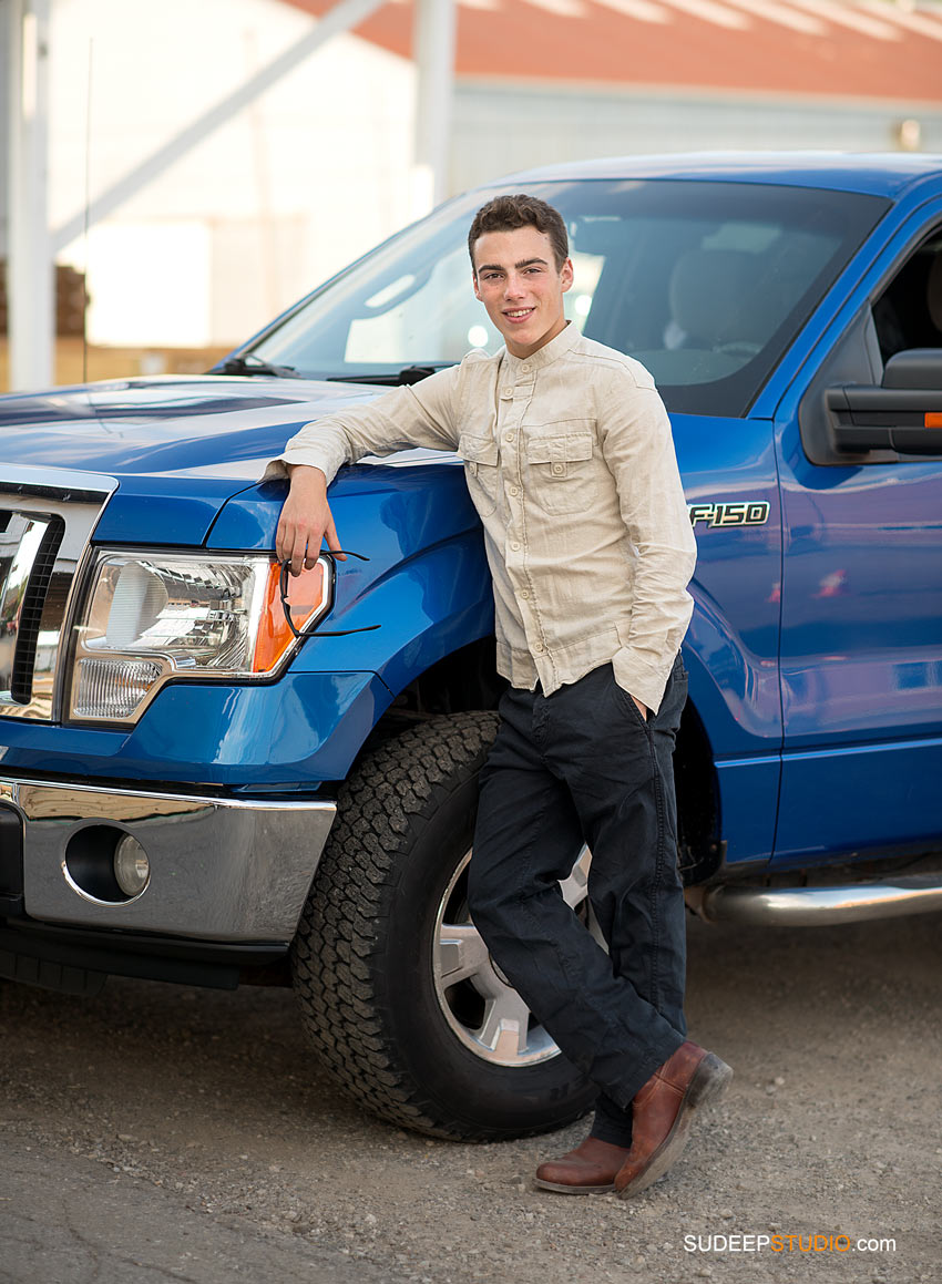 Senior Picture Guys with Truck Skyline - SudeepStudio.com Ann Arbor Senior Pictures Photographer