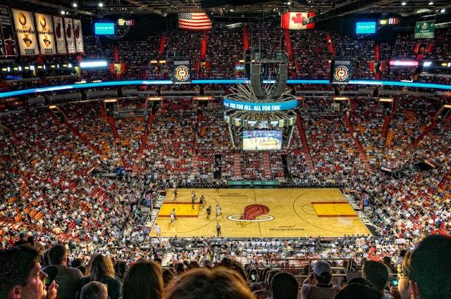 Como é a American Airlines Arena em Miami?