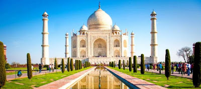 Delhi, India (25.703.000)