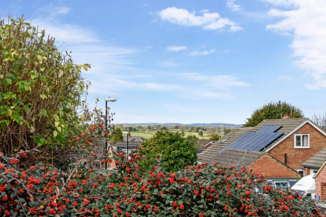 Harrogate Property News - 3 bed semi-detached house for sale Hill Top Rise, Harrogate, North Yorkshire HG1