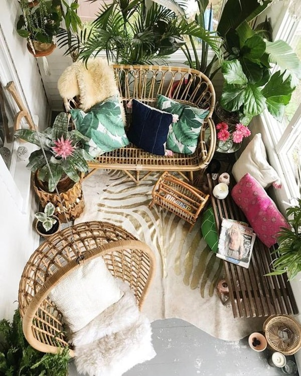 7 Ideas For Decorating Small Balconies 1
