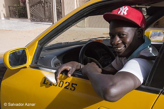 http://www.diariosdeunfotografodeviajes.com/2014/06/sobre-los-transportes-en-senegal.html