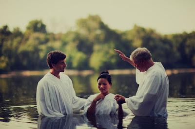 Pode o batismo em água lava os pecados ou perdoa os pecados?