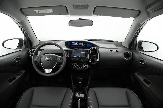Novo Toyota Etios 2017 Automático - interior
