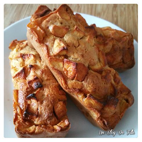 http://unblogdefille.blogspot.com/2016/07/recette-cake-aux-pommes-facile-et-rapide.html