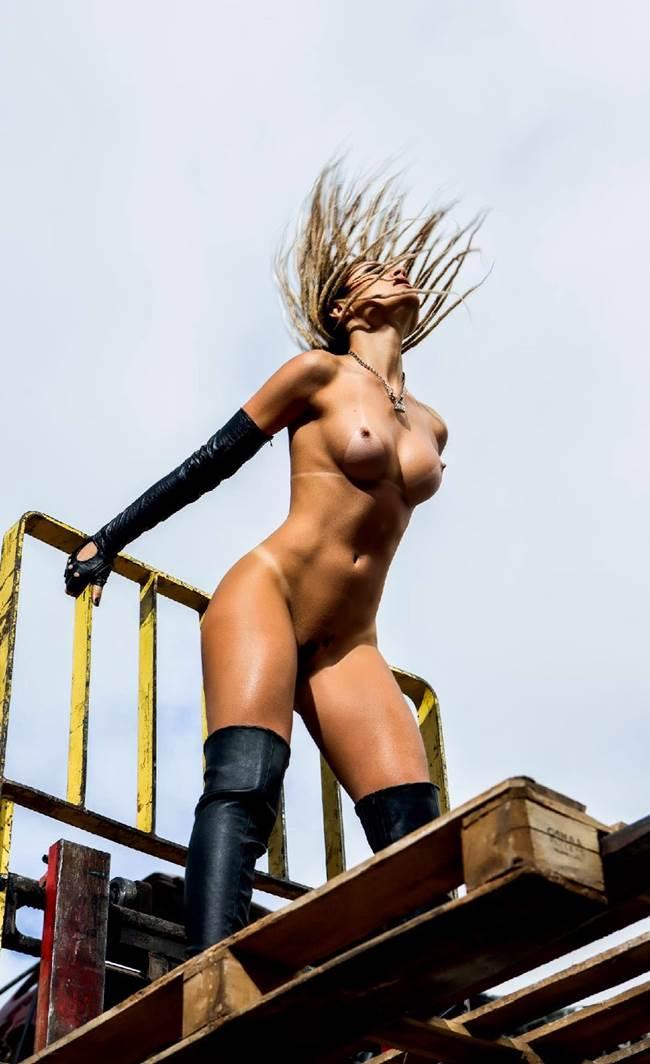 "Fernanda Lacerda ""Mendigata"" pelada nua na Playboy 27"