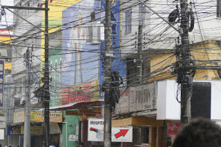 placa fios nas ruas