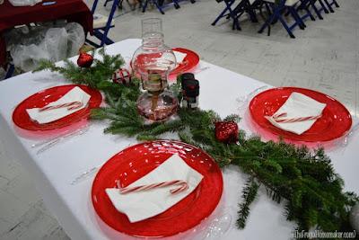 Cara Menghias Meja Makan Saat Natal