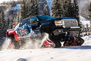 GMC Sierra 2500HD All Mountain Concept Crew Cab 4x4 (2017) Front Side 2