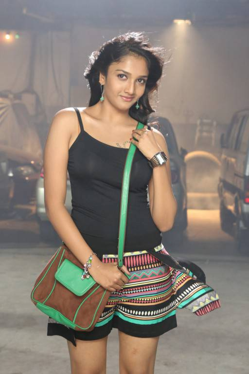 Swastika From Aayirathil Iruvar Movie Syunning Hot Gallery