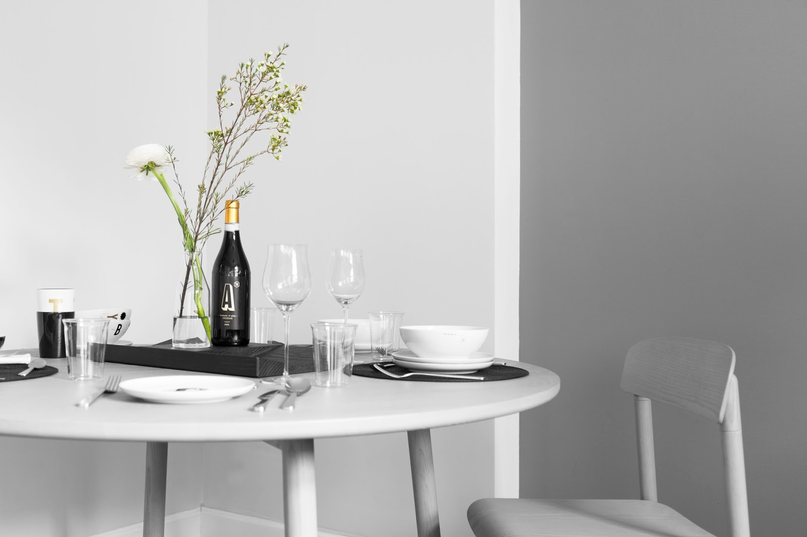 Setting Table by Type Hype | Cleo-inspire Blog