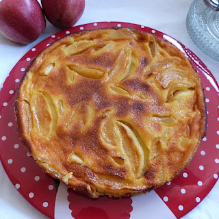 https://danslacuisinedhilary.blogspot.com/2015/11/gateau-fondant-aux-pommes-caramelisees.html
