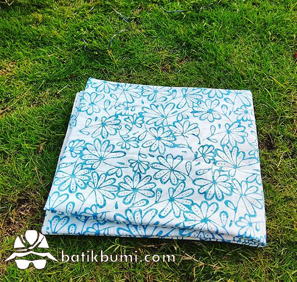 Batik Cap Smoke Motif Krisan Blue