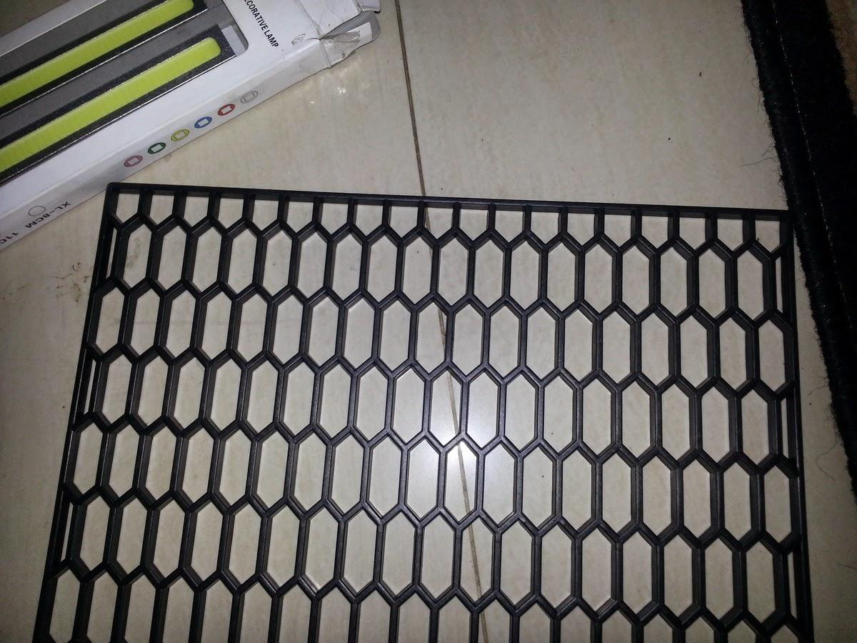 inner grill grand new avanza all alphard 2.5 x a/t honeycomb plastik untuk melindungi condensor radiator gambar 2 penampakan