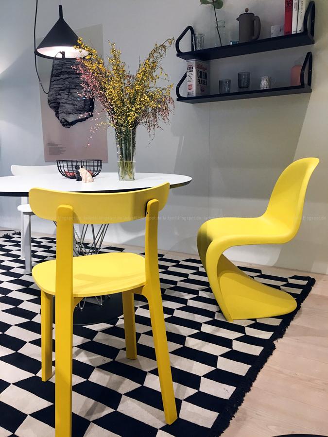 Thema Gelb bei Vitra Internationalen Möbelmesse imm2017 in Köln mit Herstellern wie String, Vita, Bloomingville,Cane-line und Carolijn Slottje