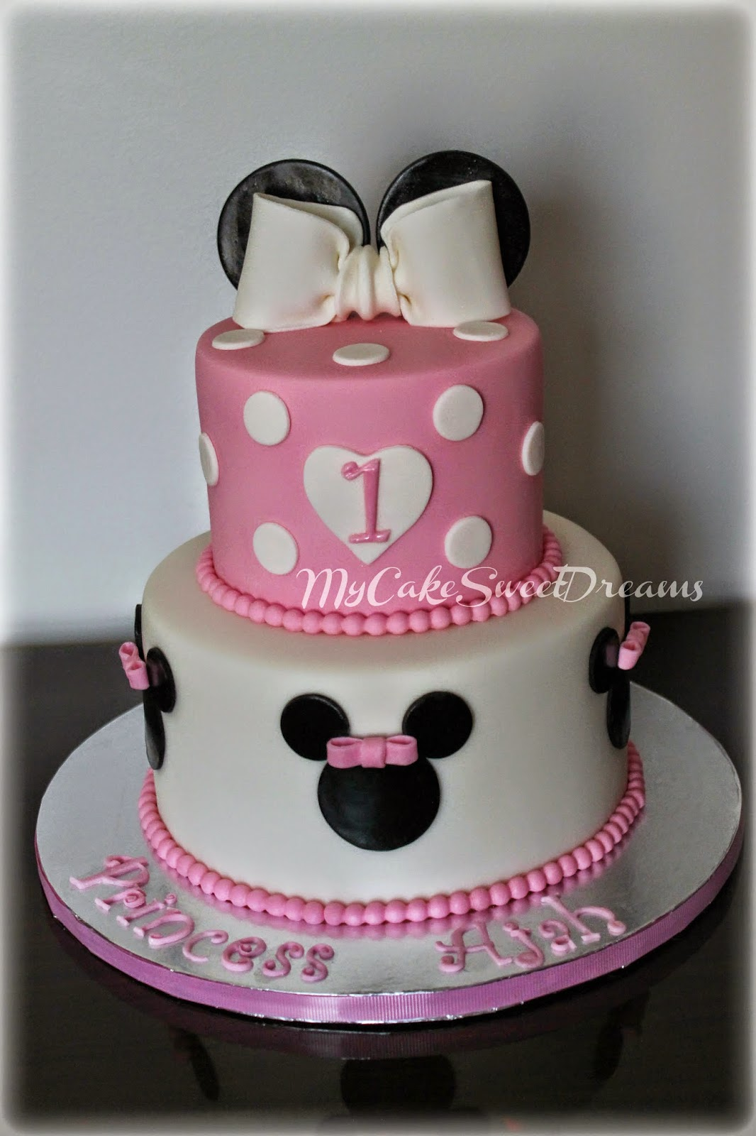 My Cake Sweet Dreams Minnie Mouse 1st Birthday Cake