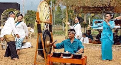 Tari Ketuk Tilu Cikal Bakal Tari Jaipong Pasundan Jawa Barat
